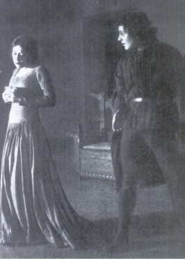 Reinhardt's 1909 stage production of Hamlet. (Image from The Haunted Screen by Lotte H. Eisner)