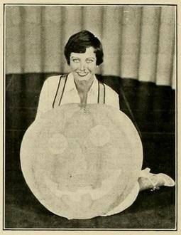 Joan Crawford mot pic news '28