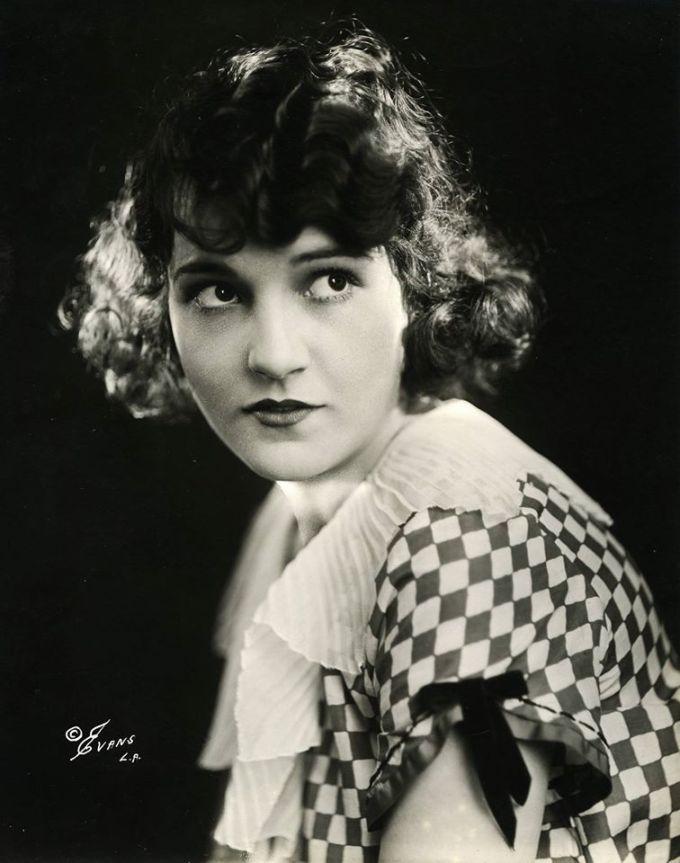 Sybil rare portrait demure