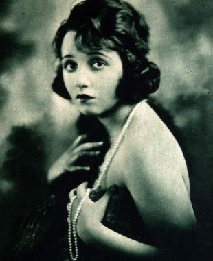 bebe-daniels-portrait-strand-pearls