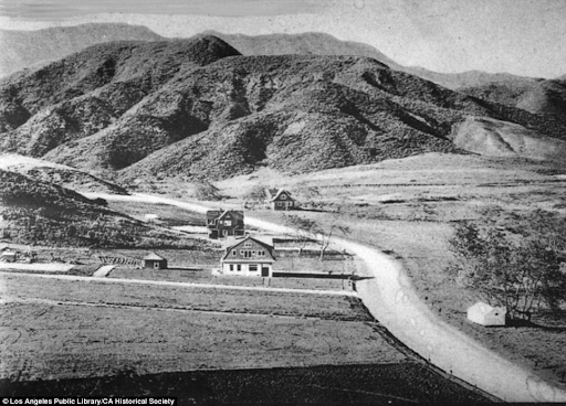 Hollywood rural