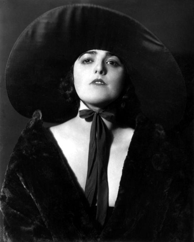 Virginia Rappe: The Mysterious Death of a Silent Film Beauty ~ Vintage  Everyday